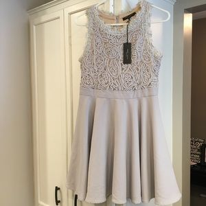NWT Romeo & Juliet Couture Gray Beige  Dress
